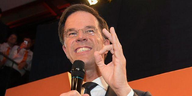 Mark Rutte celebra su victoria en las elecciones en