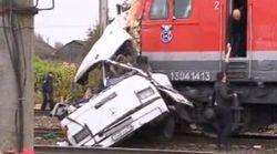 Al menos 19 muertos en el choque entre un tren y un autobús en