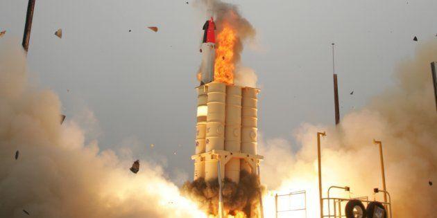 El sistema israelí de defensa Arrow, que se ha activado esta madrugada, durante un ensayo en