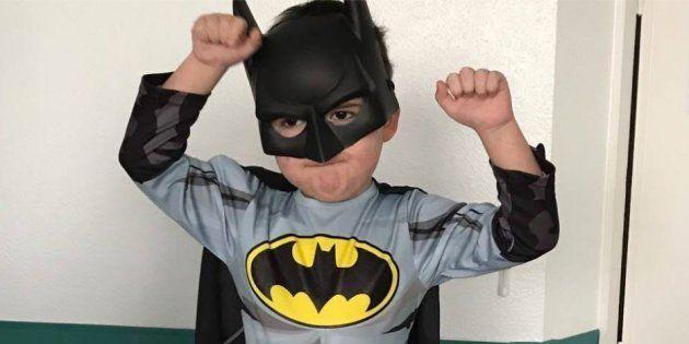 Este niño de cuatro años enfermo de leucemia busca a su