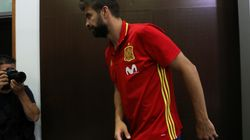 Pitada a Piqué en su primer partido con España tras el