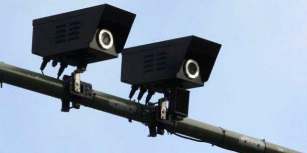 Automovilistas piden a Carmena suspender el sistema de multas en semáforos por