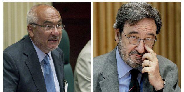 El expresidente de Catalunya Caixa Narcís Serra -derecha- y Adolf Todó, exdirector general de la