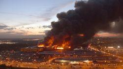 Las impresionantes imágenes del incendio de un centro comercial en