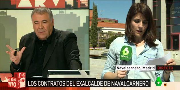 Ferreras rescata en directo a una reportera que se quedó en