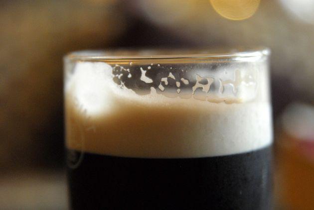 ¿Por qué nos gusta tanto la cerveza si al principio la