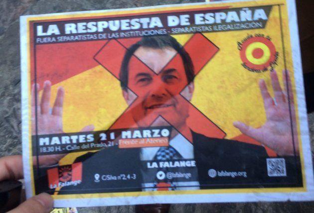 Una treintena de ultraderechistas recibe a Artur Mas en Madrid al grito de