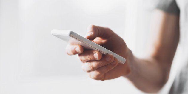 Absuelta una madre denunciada por su hijo de 15 años por quitarle el móvil para que