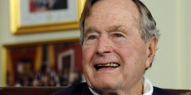 Hospitalizan al expresidente George H. W. Bush en