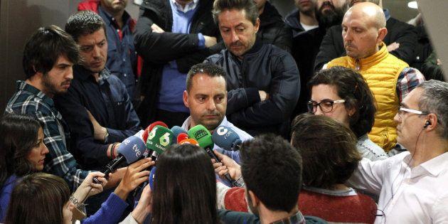 Antolín Goya, coordinador general del sindicato mayoritario de la estiba, a a entrada de la reunión con...
