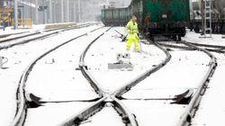 Los 1.500 pasajeros del AVE atrapados por la nieve, trasladados a sus