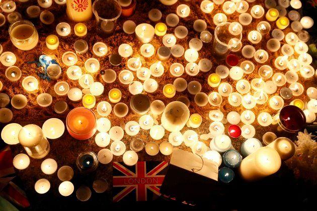 Londres trata de recuperar la normalidad tras el atentado mientras recuerda a las víctimas: