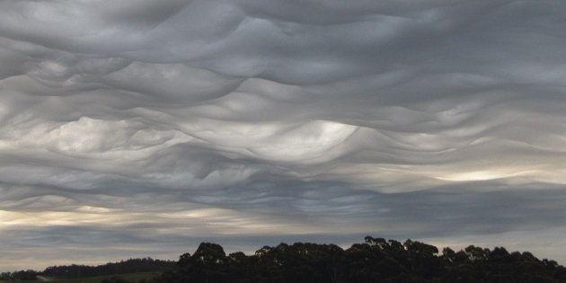 Fotografía facilitada por la Organización Meteorológica Mundial (OMM) de una nube asperitas, realizada...