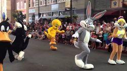 El tuit de 'El Jueves' sobre los Looney Tunes y el desfile de las Fuerzas Armadas que muchos