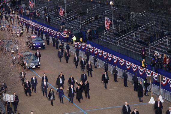 La visión desde otro ángulo de esta foto de Mike Pence arrasa en
