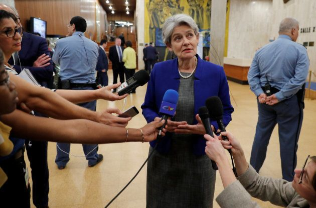 Irina Bokova, directora de la UNESCO, conversa con la prensa tras conocerse la decisión de EEUU, en la...