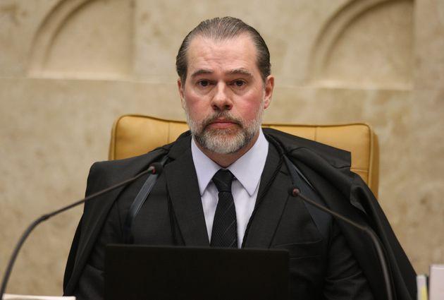 Toffoli determina abertura de inquérito e deputados acusam STF de abuso de