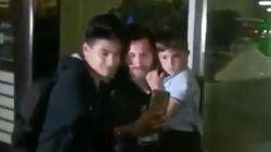 El hijo de Messi triunfa por lo que hace cuando le piden fotos a su