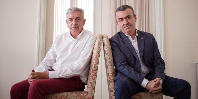 El coronel Manuel Sánchez y el escritor Lorenzo Silva, en la Fundación Rafael del Pino de
