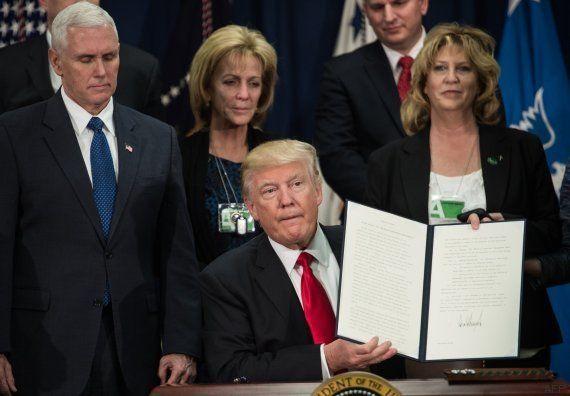 Trump firma la orden para construir el muro en la frontera con