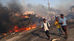 Una carnicería: son ya más de 300 los muertos en el atentado con camiones bomba de