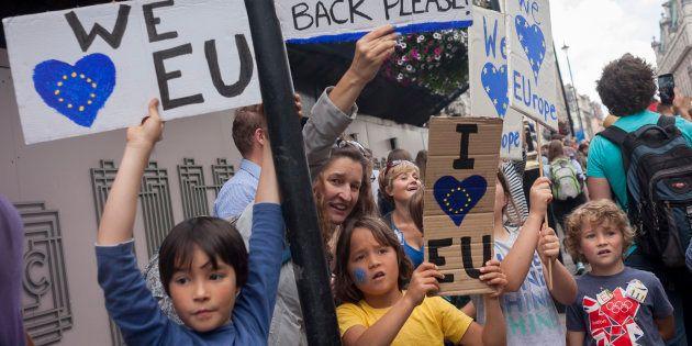 ¿Serán los británicos los que salven a Europa? Los problemas de combatir el populismo desde el elitismo