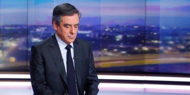 La campaña de Fillon se enturbia por la polémica sobre el trabajo de su