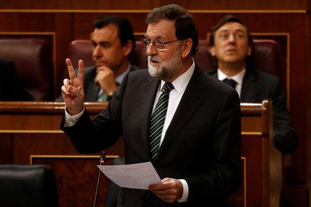 Rajoy pide a Puigdemont que actúe con