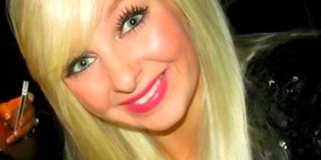 Una joven británica muere al confundirle un tumor con migrañas tras 14 visitas al