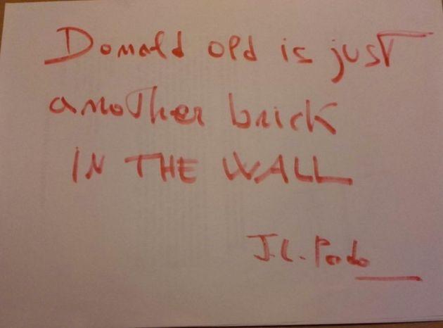 Escritores y el mundo de la cultura se unen a la acción Grafitis literarios contra el muro de