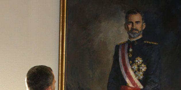 Un juzgado obliga al Ayuntamiento de Badalona a colocar la foto del rey
