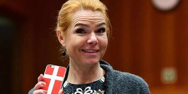Una ministra danesa anima a denunciar pizzerías cuyos trabajadores no hablen