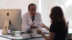 Este cirujano español ha creado una ONG para hacer mastectomías a mujeres sin
