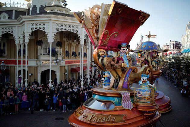 El desfile por el 25 aniversario de Disneyland
