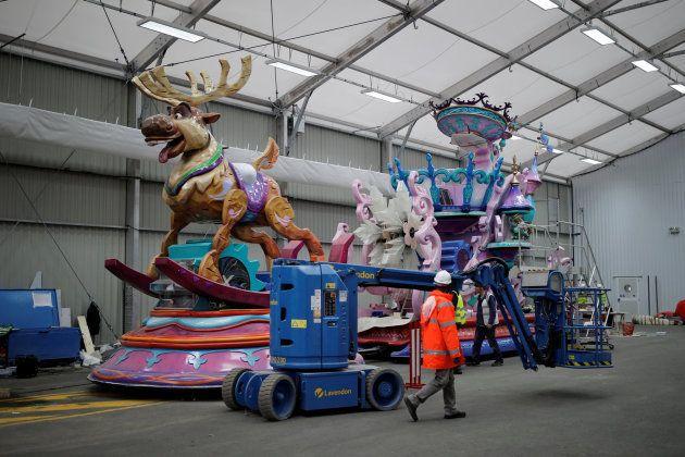 La carroza de 'Frozen' en uno de los garajes de Disneyland