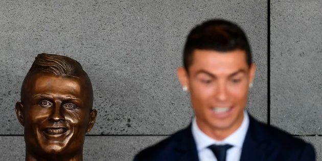 El meme de 'Likes' con el busto de Ronaldo arrasa en