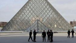 Un soldado francés dispara a un hombre que intentó atacarle en Louvre en
