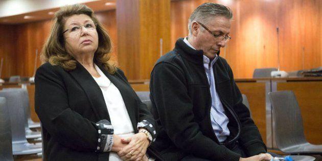 La dueña de la protectora y su empleado, durante el juicio, en una imagen de