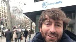 Sánchez Arévalo se planta en la sede del PP para hacerle un regalo a