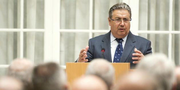 El ministro del Interior, Juan Ignacio Zoido, el pasado 30 de marzo en la Delegación del Gobierno de...