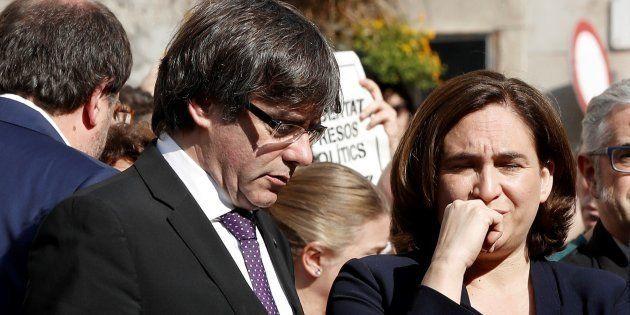 Colau carga contra Rajoy y Puigdemont por el 155 y por la DUI: