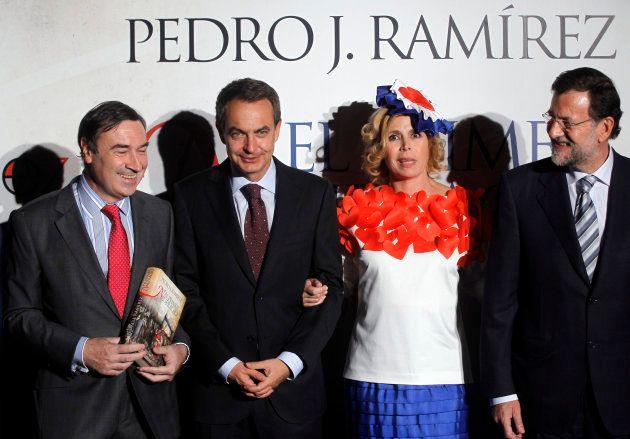 Pedro J. Ramírez, José Luis Rodríguez Zapatero, Agatha Ruiz de la Prada y Mariano Rajoyen la presentación...