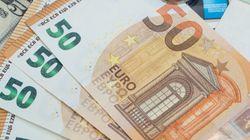 Un joven en paro devuelve una mochila con 5.300 euros que se encontró en la