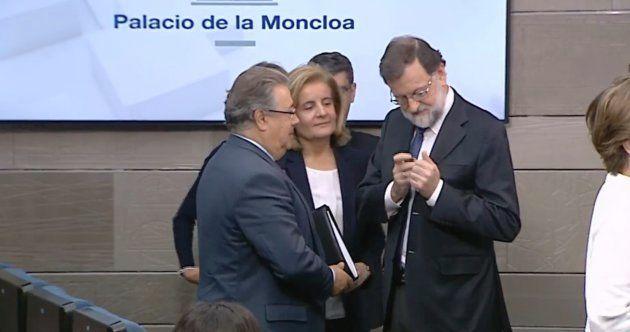 🔴 EN DIRECTO- Rajoy anuncia el cese de Puigdemont y del Govern de