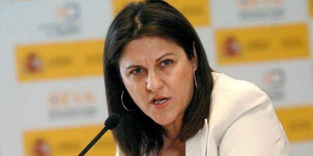 Críticas a la exministra Trujillo (PSOE) por su tuit catalanófobo tras ir a 'Foster