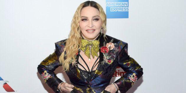 Madonna presenta a sus dos nuevas hijas, Estere y