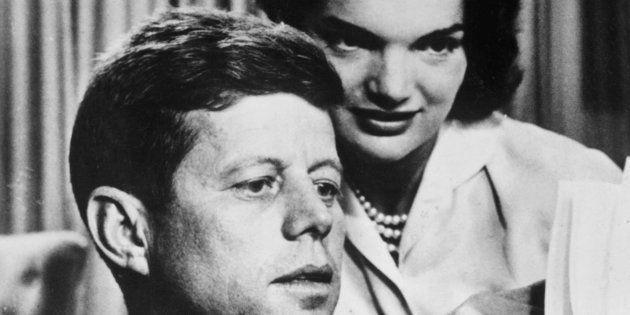 Imagen de archivo de 1950 de John F. Kennedy y su mujer Jacqueline Bouvier