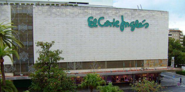 El Corte Inglés retirará la venta de huevos procedentes de gallinas en jaulas en