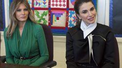 Melania Trump y Rania de Jordania visitan una escuela en