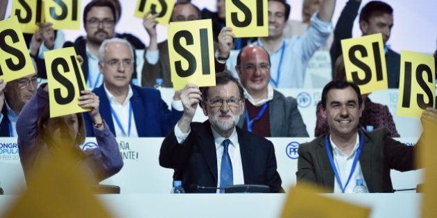 Rajoy mantiene a Cospedal como secretaria general y nombra a Martínez-Maillo